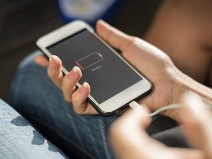 Cách sạc pin cho điện thoại mới đúng cách giúp tăng tuổi thọ của pin